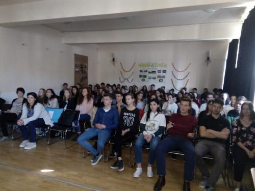 prezentarea proiectului realizata de elevi (3)