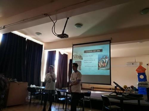 prezentarea proiectului realizata de elevi (4)